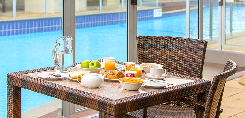 holiday apartment accommodation near newcastle with breakfast