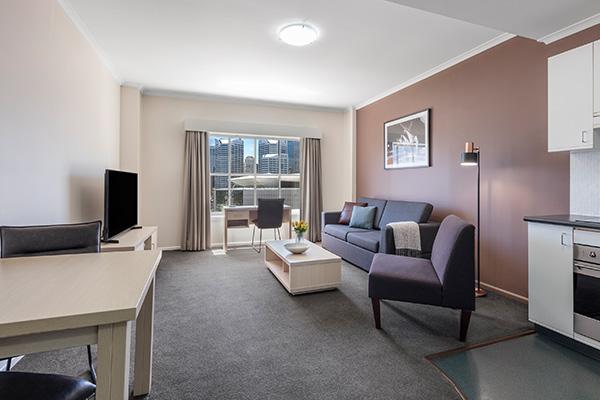 Oaks Sydney Goldsbrough Suites 1 Bedroom City Skyline
