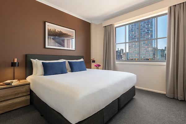 Oaks Sydney Goldsbrough Suites 2 Bedroom City Skyline