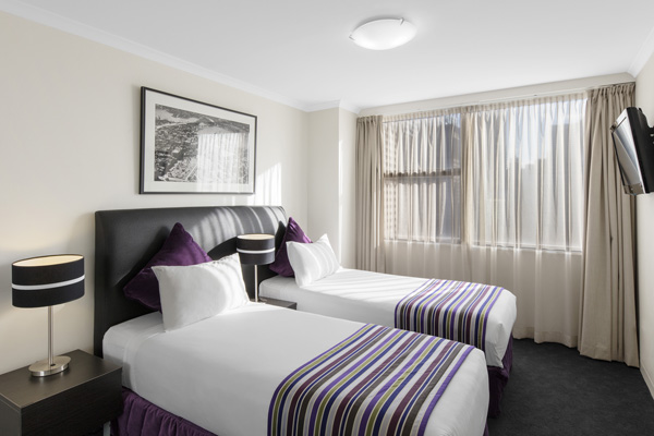 two single beds in 2 bedroom executive apartment at Oaks Hyde Park Plaza in Sydney CBD