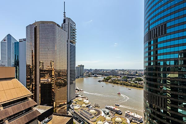Oaks Brisbane Felix Suites 3 Bed Apartment Brisbane River and Story Bridge View