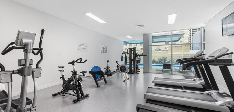 fully equipped gymnasium in Brisbane city with treadmills and cycle machine at Oaks Festival Towers hotel
