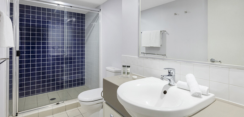 Oaks Lexicon 1 Bedroom Apartment Bathroom