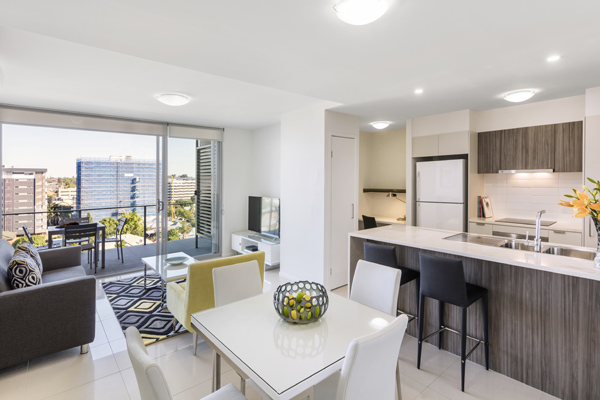 Oaks Woolloongabba 1 Bedroom Executive Dining Kitchen and Living