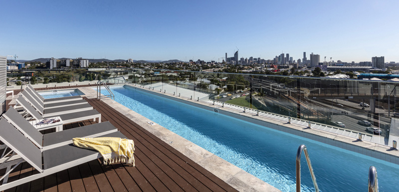 hotels woolloongabba with swimming pool at Oaks Woolloongabba near The Gabba cricket ground