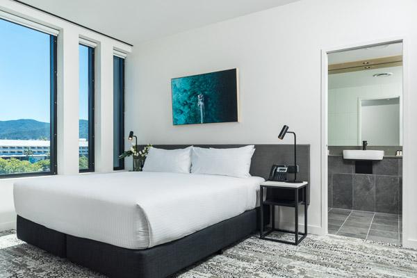 oaks cairns hotel hotel deluxe room