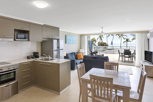 Oaks Resort Spa Hervey Bay 3 Bedroom Ocean View Dining