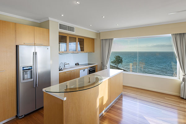 Oaks Resort Spa Hervey Bay 3 Bedroom Premier Ocean View Kitchen