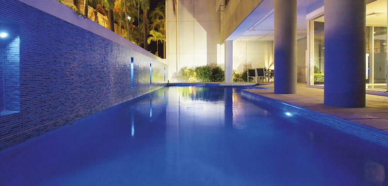 Full length outdoor swimming pool at Oaks Metropole Hotel, Palmer Street, Townsville