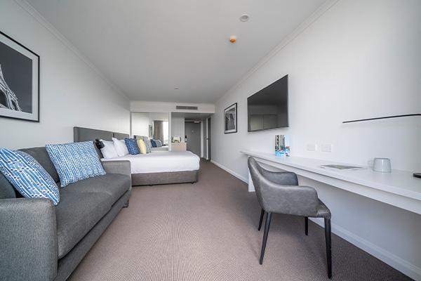 Oaks Toowoomba Hotel Room