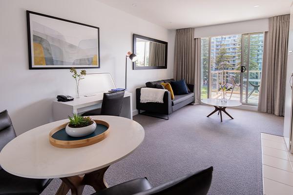 Oaks Glenelg Plaza Pier Suites 1 Bedroom Premier Park View Living