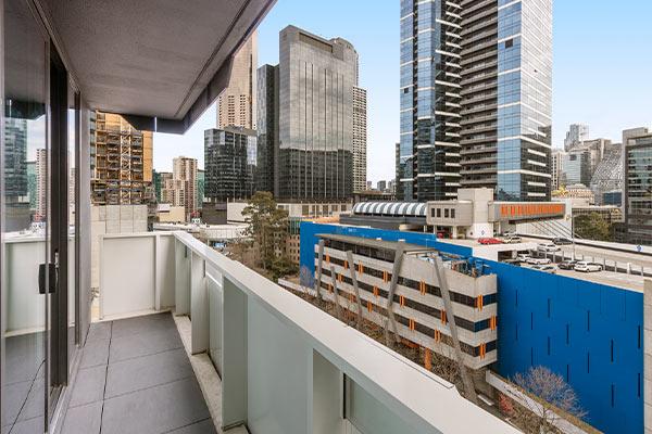 Oaks Melbourne Southbank Suites 2 Bedroom Balcony