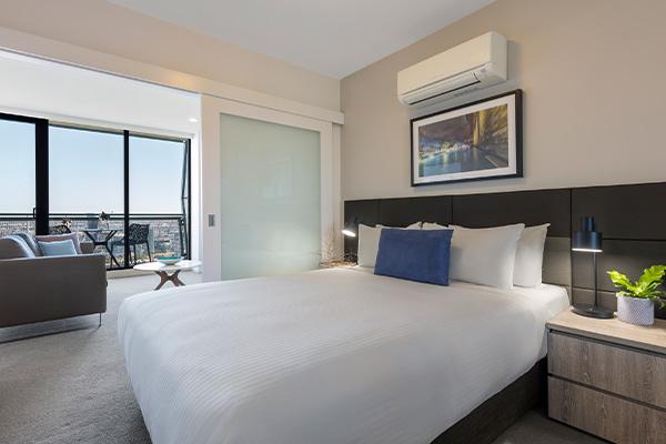 Oaks Melbourne on William Suites 1 Bedroom View Bedroom