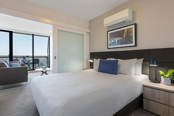 Oaks Melbourne on William Suites 1 Bedroom View Bedroom
