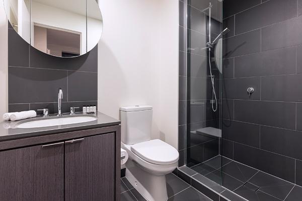 WRAP on Southbank 1 Bedroom Bathroom