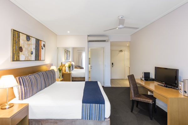 spacious, air conditioned Studio Apartment in popular Broome hotel with Foxtel and comfortable double bed