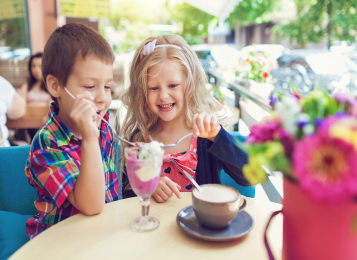 Kids Eat Free at Oaks Oasis Resort