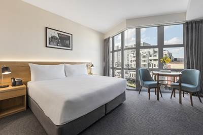 Oaks Wellington Hotel 2 Bedroom City View Bedroom