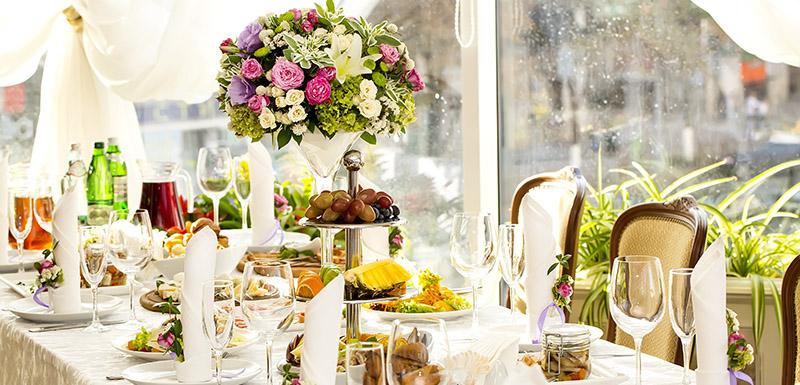Hunter valley weddings venues at oaks cypress lakes resort hotel hunter valley wedding table decorations food and beverage package junglespirit Images