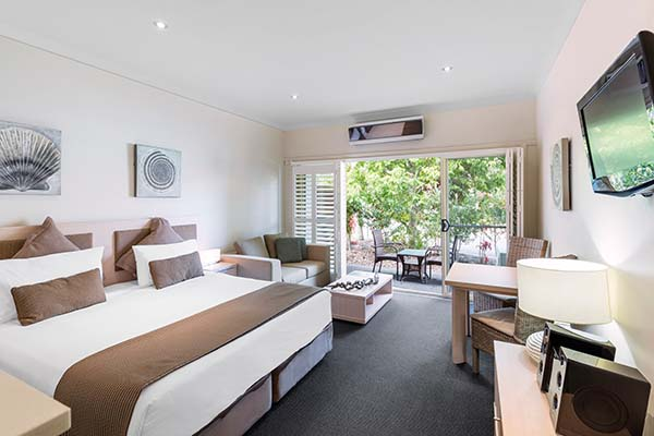 En Suite Hotel Apartment In Port Stephens Resorts Studio Bedroom  Accommodation At Oaks Pacific Blue Resort