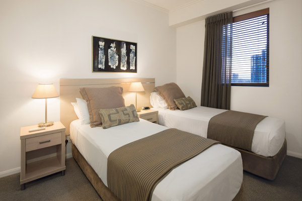2 single beds in 4 bedroom family friendly hotel apartment in Brisbane city