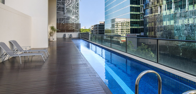 Full Length Outdoor Lap Pool In Brisbane Cityat Istay River City Hotel