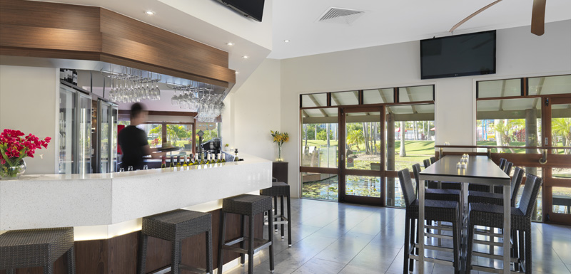 Well Stocked Bar In Air Conditioned Reflections Restaurant And Caloundra Sunshine Coast