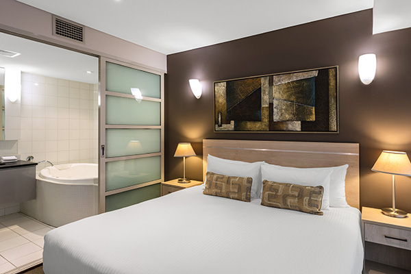 Apartment hotels adelaide accommodation at oaks embassy 3 bedroom apartments in sydney australia