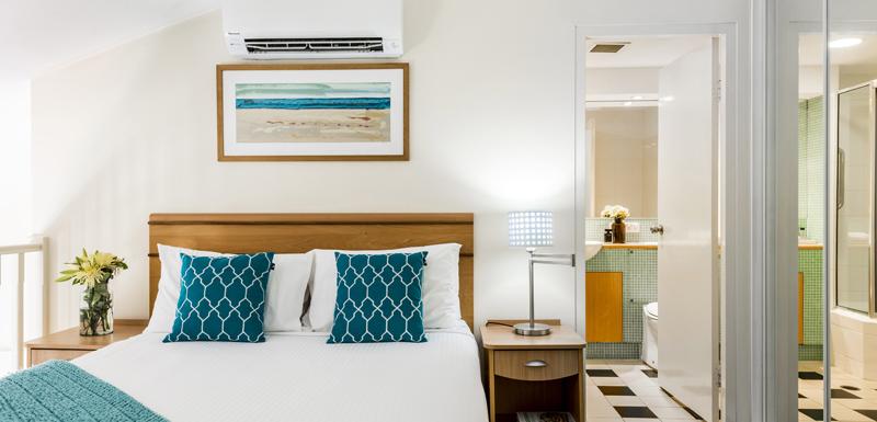 bedroom with en suite bathroom The Entrance nsw