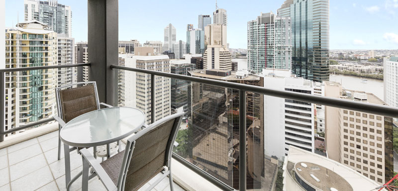 Serviced Apartments Brisbane CBD with balcony and views of Brisbane River at Oaks 212 Margaret st in city centre