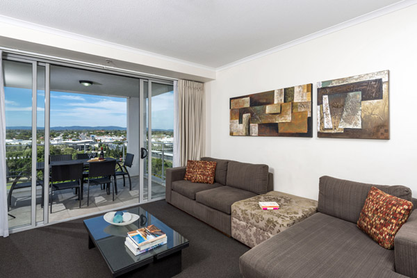 cheap Ipswich hotel 2 bedroom apartment with balcony and modern furniture