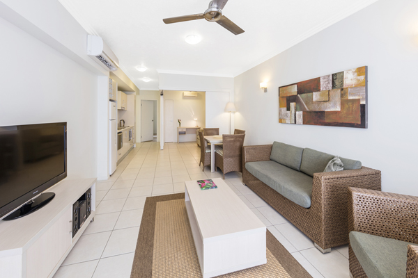 air conditioned one bedroom apartment with wi-fi near Wildlife Habitat in Port Douglas, Queensland