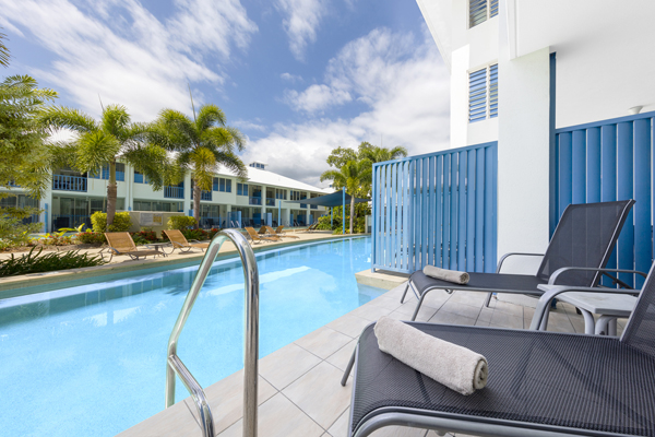 swimming pool outside 1 bedroom swimout apartment at Oaks Lagoons hotel in Port Douglas