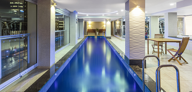 Accommodation Adelaide CBD with long outdoor swimming pool with views of city at Oaks Embassy Hotel near the Convention Centre
