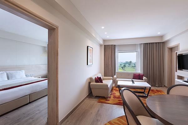 Oaks Bodhgaya India - Suite - Living Area