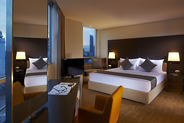 spacious 3 Bedroom Apartment hotel suite with air conditioning, free Wi-Fi and spectacular views of Bangkok in Thailand